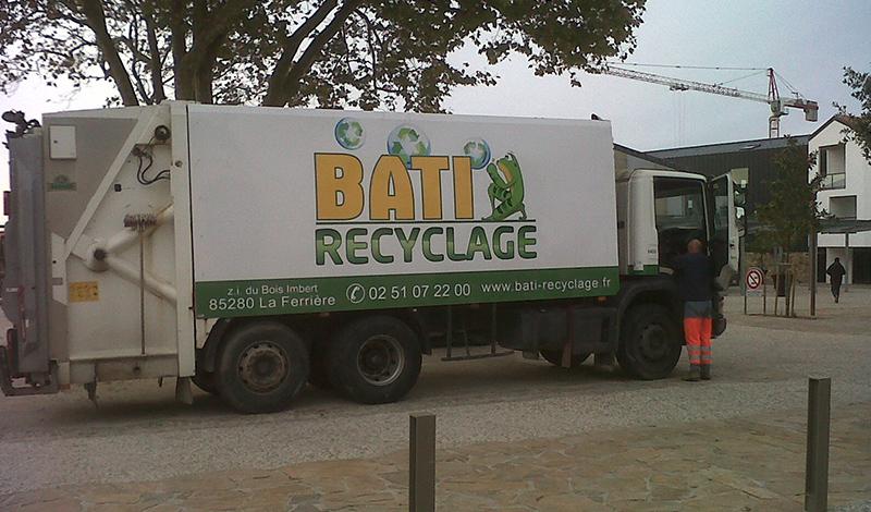 Location de benne en vend e bati recyclage for Location benne a ordure